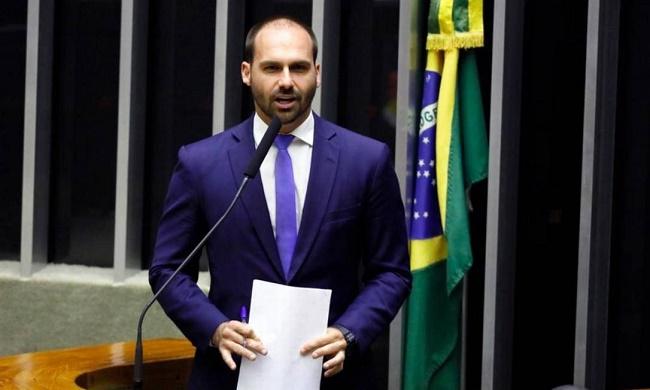 """""""Ocorrerá uma união em torno do anti-petismo"""", diz Eduardo Bolsonaro"""