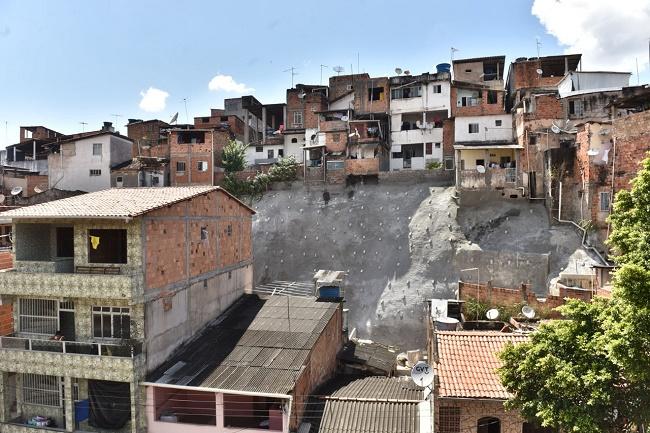 Prefeitura entrega obra de contenção de encosta na Liberdade