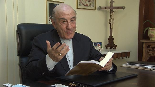 Dom Murilo lança livro sobre documentos de fundação da Arquidiocese de Salvador