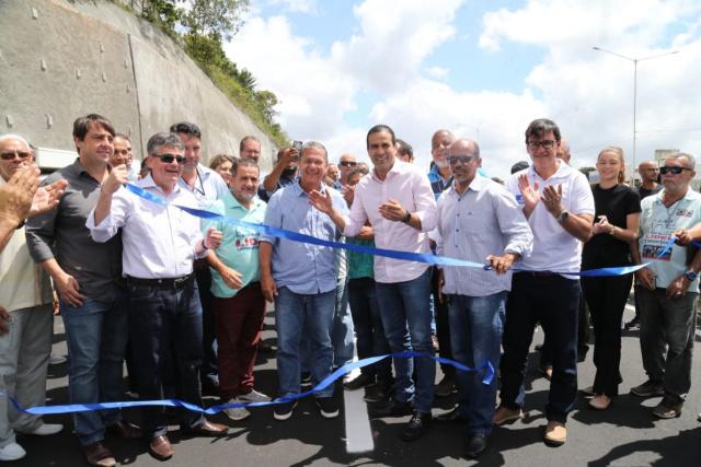 Nova via na BR-324 facilita acesso a três bairros de Salvador