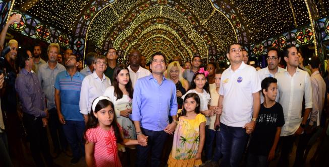 Salvador inaugura decoração, iluminação e programação natalina