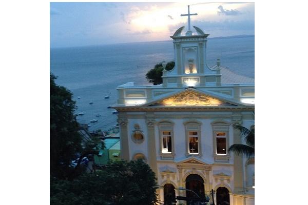 Igreja da Vitória terá missa em homenagem às vítimas do acidente aéreo em Maraú