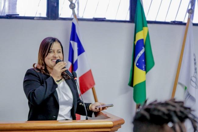 Kátia Oliveira comemora 58 anos de emancipação política de Simões Filho