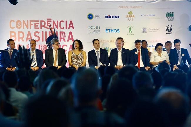 Leão destaca matriz energética baiana na Conferência Brasileira de Mudanças do Clima