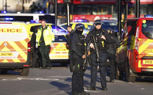 Três pessoas morrem após atentado na Ponte de Londres
