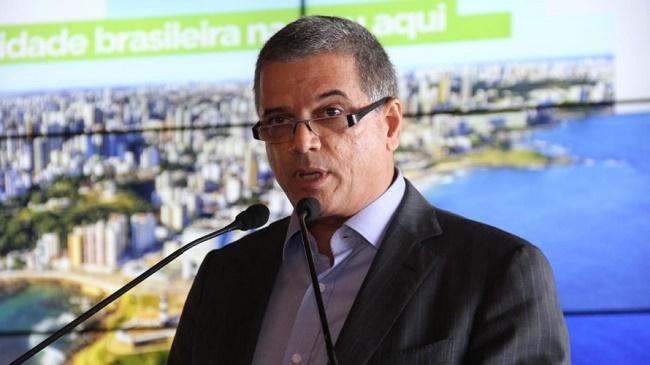 Cláudio Carvalho toma posse na presidência da Abap-BA