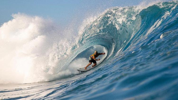 Italo e Medina seguem vivos na disputa do Mundial de Surf em Pipeline