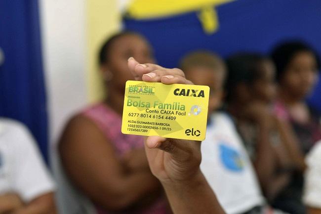 Mais de 180 mil beneficiários em Salvador receberão 13º do Bolsa Família