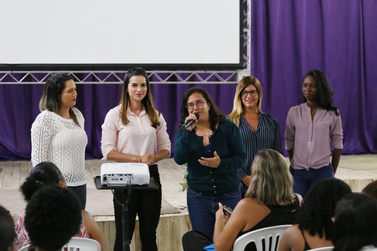 """""""A renovação política virá das mulheres"""", afirma Roberta Caires"""