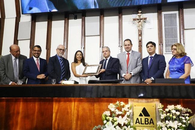 Cônsul da Espanha recebe título de Cidadão Baiano na ALBA
