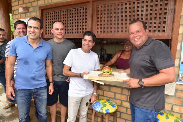 Ilha de Bom Jesus ganha área de lazer e centro gastronômico