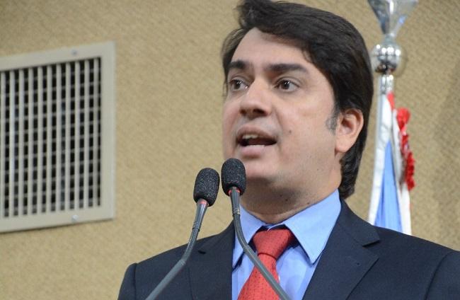 Pedro Tavares reivindica recuperação de trecho da BA-001 entre Valença e Itacaré