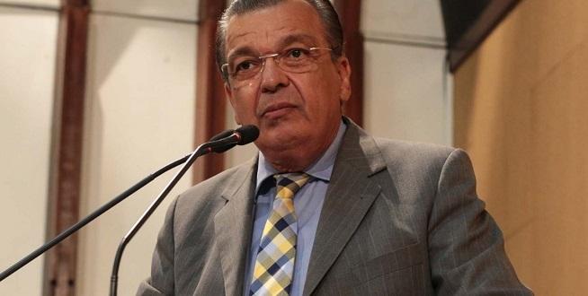 Targino critica Inema por autorizar supressão de árvores em área de preservação ambiental