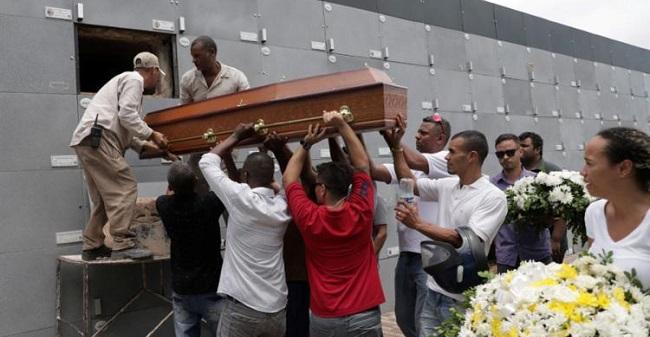 Dois dos quatro motoristas de aplicativo assassinados são enterrados em Salvador