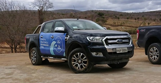 Ford apoia projeto Aqualuz de filtros de água ecológicos na Bahia