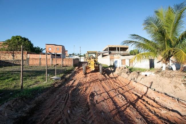 Prefeitura de Camaçari pavimenta 28 ruas do Parque Verde I