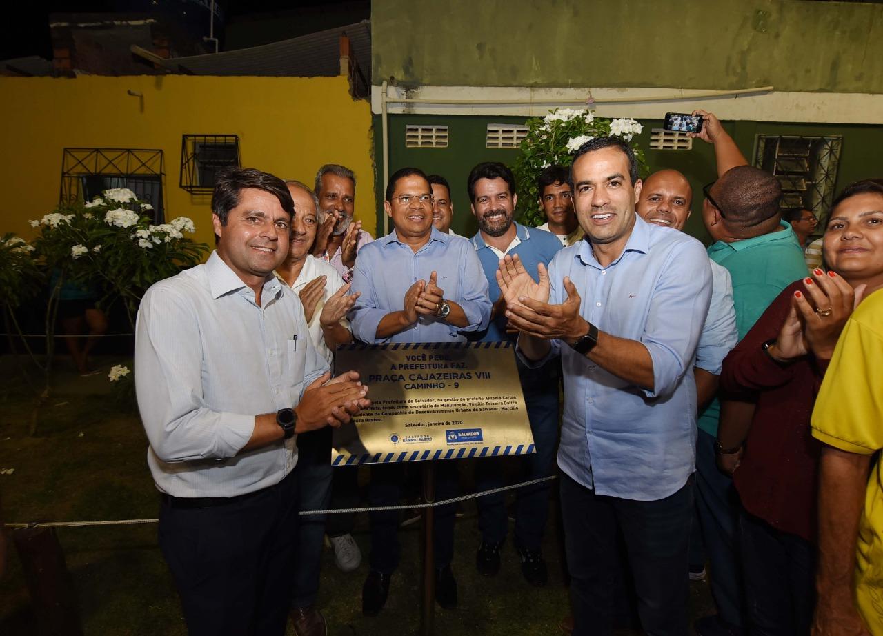 Bruno Reis entrega campo, praças e nova iluminação em Cajazeiras VIII