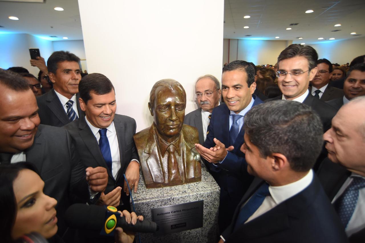 """""""Empregos para o povo e R$ 500 milhões por ano na nossa economia"""", comemora Bruno Reis"""