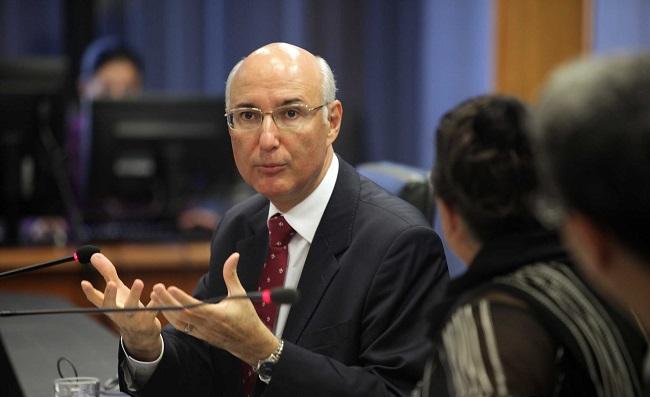 Ministro do TST autoriza Petrobras a cortar salários e a demitir grevistas