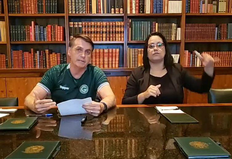 Bolsonaro diz que general Braga Netto irá coordenar os ministros