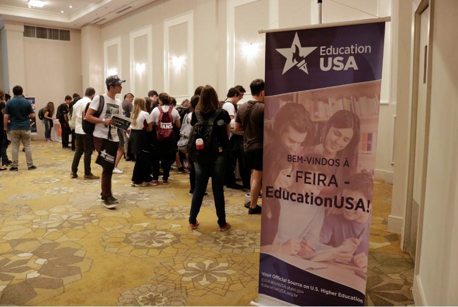 Feiras Education USA oferecem oportunidades de estudo em 20 universidades americanas