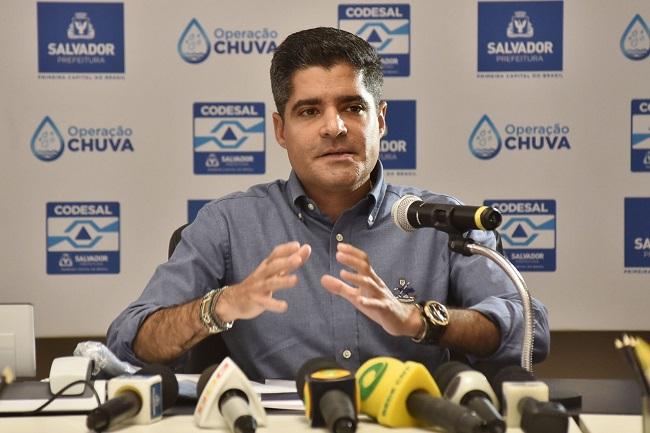 ACM Neto anuncia suspensão das aulas nas redes pública e privada em Salvador
