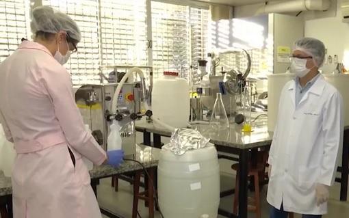UFBA de Conquista produz álcool 70% para distribuir aos hospitais da cidade