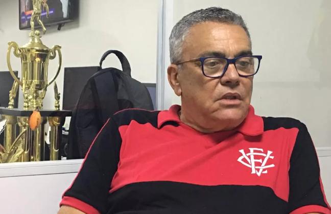 Paulo Carneiro anuncia data para início de treinos presenciais no Vitória
