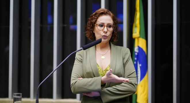 Deputada Carla Zambelli antecipou operação da PF em entrevista