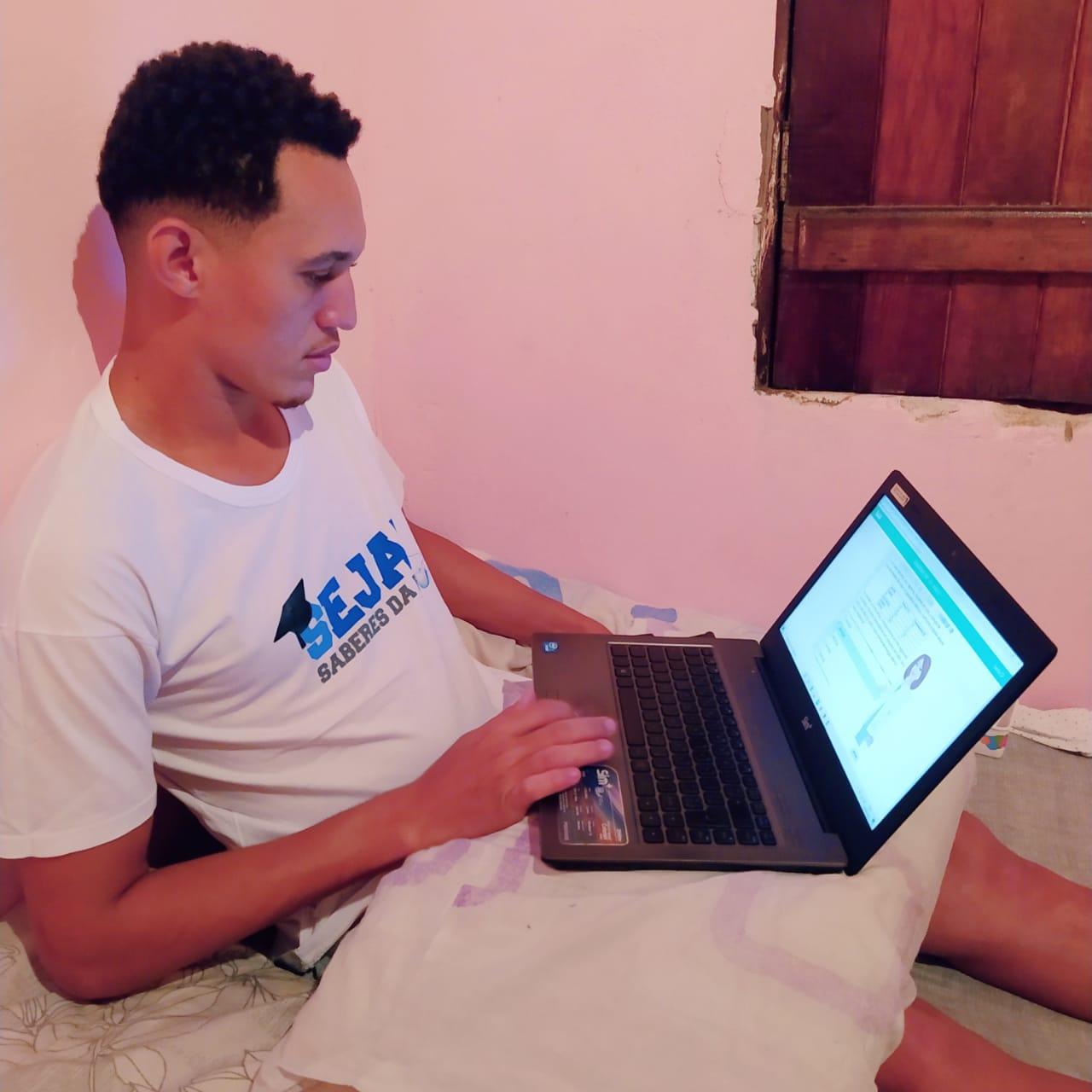 Programa Seja! oferece aulas online para jovens e adultos em Camaçari e Dias d'Ávila