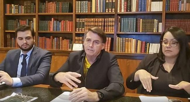 """Em """"live"""", Bolsonaro confirma mais duas parcelas do auxílio de R$ 600"""