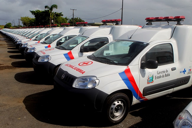 Governo entrega veículos para 120 prefeituras baianas