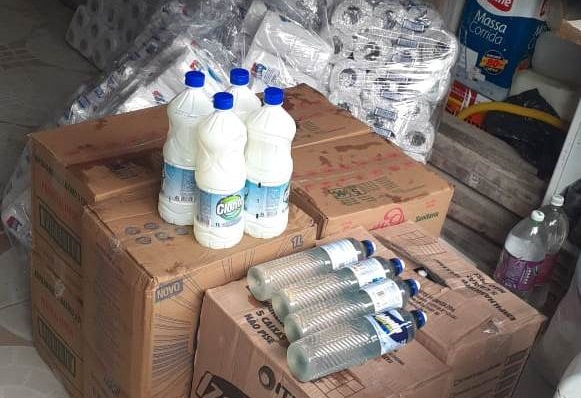 CLN doa cestas básicas para comunidades de Vila Sauípe e Barra do Pojuca
