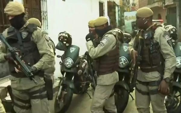 PM realiza operação no Engenho Velho da Federação após tiroteio entre traficantes