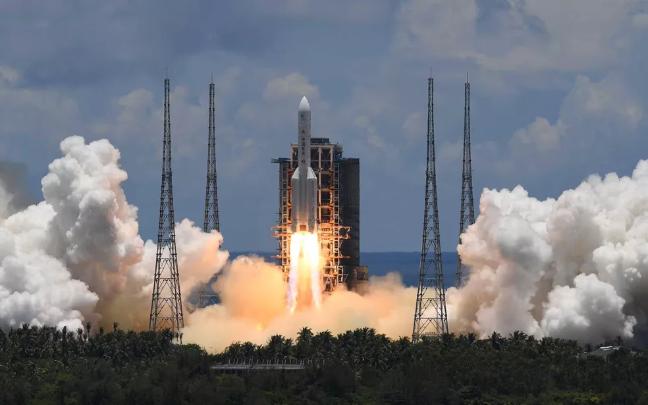 China lança espaçonave para primeira missão em Marte