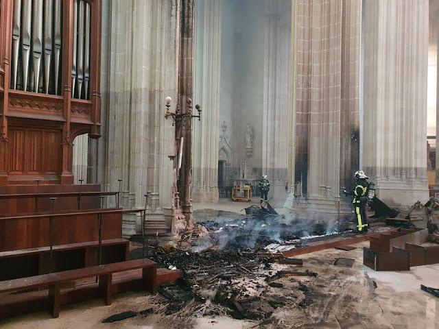 Órgão e vitrais da catedral de Nantes são destruídos em incêndio