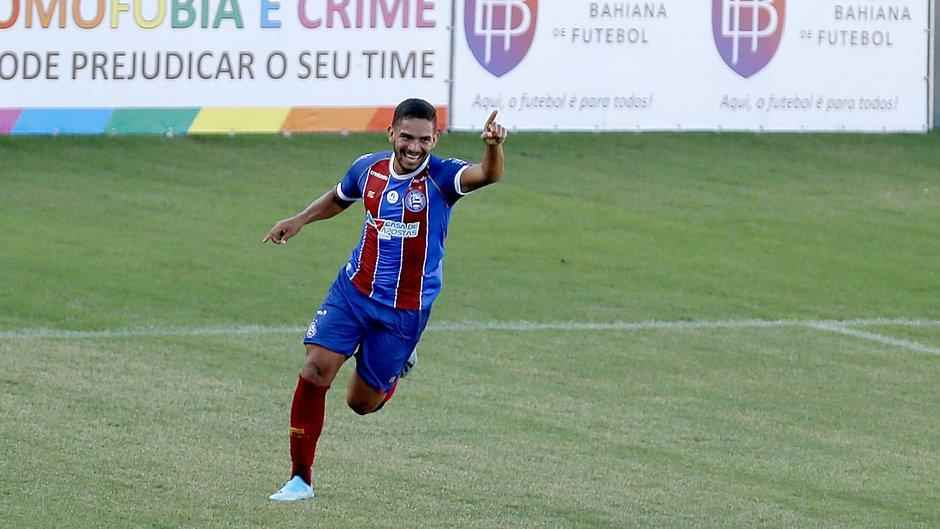 Bahia aplica 2 a 0 no Flu de Feira e avança no Baiano; veja os gols