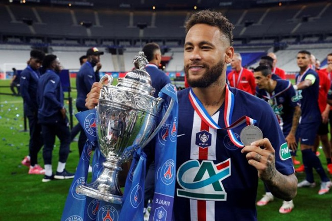 Neymar marca gol do título do PSG na Copa da França