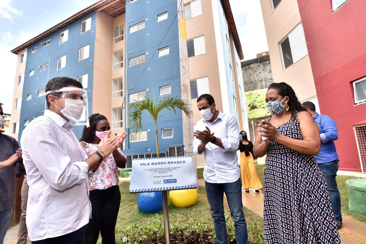 Vila Barro Branco é entregue para vítimas das chuvas de 2015