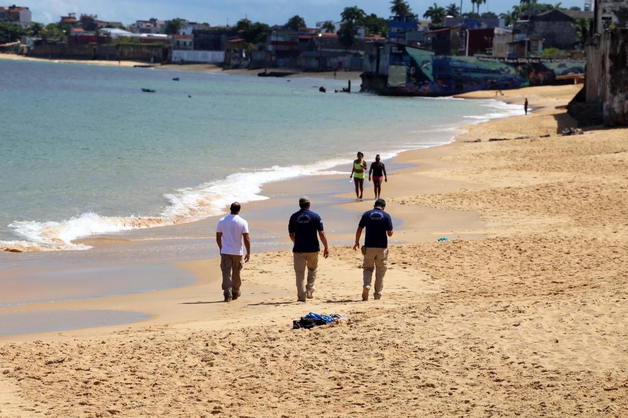 Dez pessoas já foram à delegacia por descumprirem isolamento nas praias de Salvador
