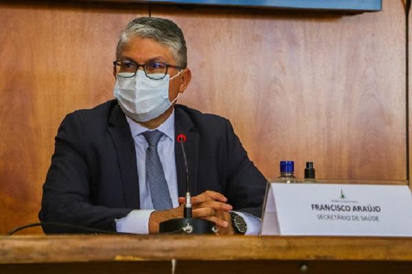 Operação prende secretário da Saúde do DF por suspeita de desvio de R$ 18 milhões