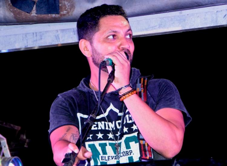 Vocalista da banda Chicana morre em acidente na BR-116