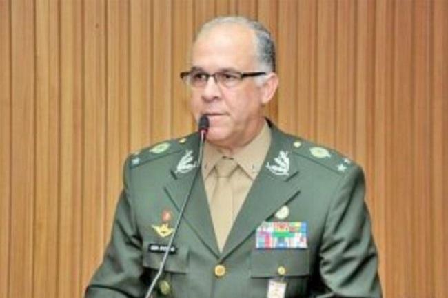 Chefe do Centro de Inteligência do Exército morre por covid-19