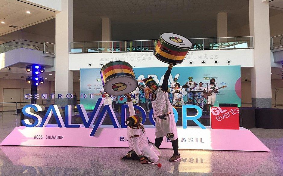 """Salvador lança campanha de turismo """"Vem meu Amor"""""""