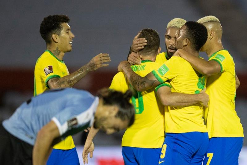Brasil aplica 2 a 0 no Uruguai pelas Eliminatórias; veja os gols
