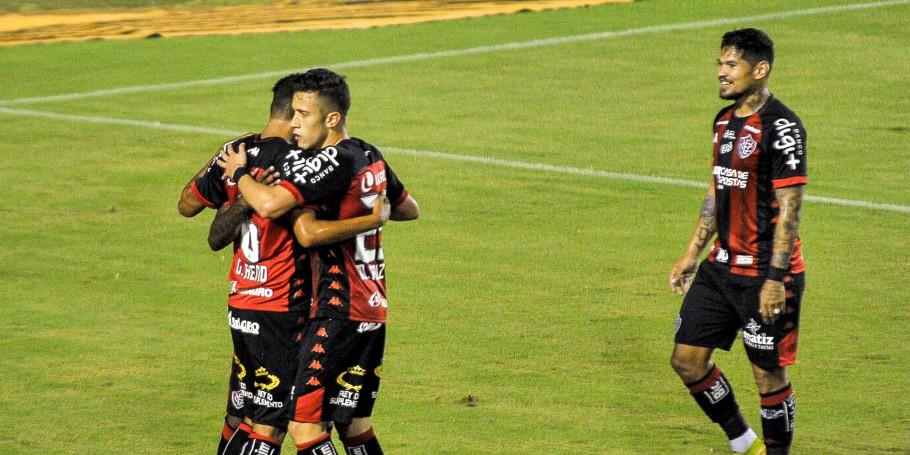 Série B: Vitória aplica 3 a 0 no Figueirense; veja os gols