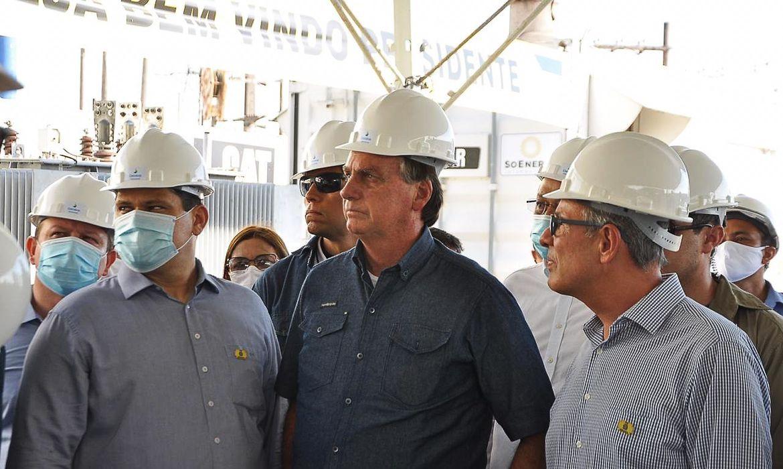 Bolsonaro anuncia pagamento de energia retroativo a 30 dias para o Amapá