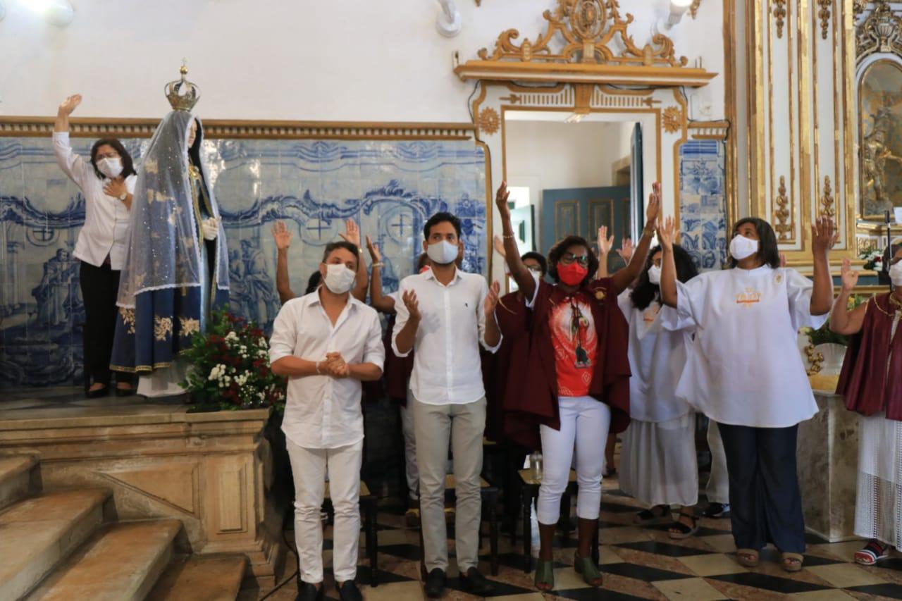 Festa de Santa Luzia reúne devotos em Salvador