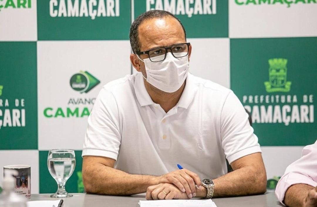 Elinaldo pede reunião com Rui para discutir fechamento da Ford em Camaçari
