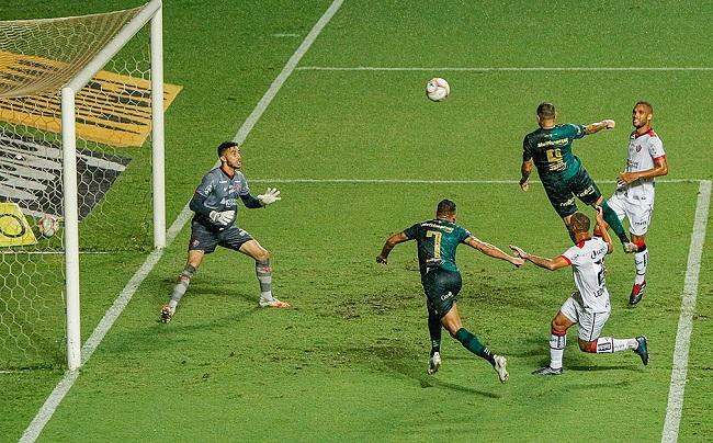 Série B: Vitória leva 4 a 0 do América-MG; veja os gols